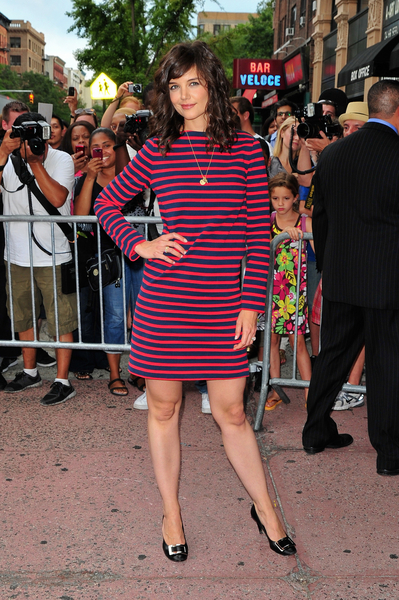 Katie Holmes Hot Style Pictures: The Extra Man Premiere Red Carpet Photos and Pics