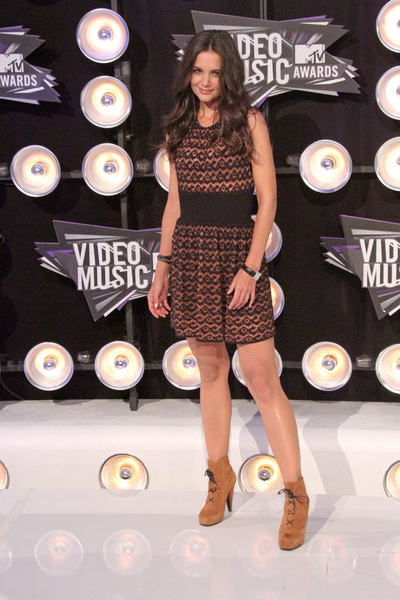 Katie Holmes Pictures: MTV Video Music Awards (VMAs) 2011 Red Carpet Photos, Pics