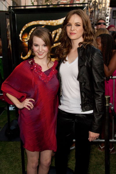 kay and danielle panabaker pictures fame los angeles