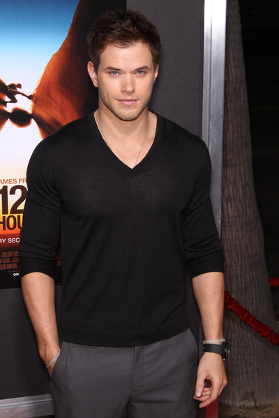Kellan Lutz Pictures: 127 Hours Movie Premiere Photos and Pics