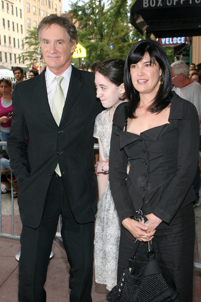 The gallery for phoebe cates kevin kline wedding for Phoebe cates and kevin kline wedding