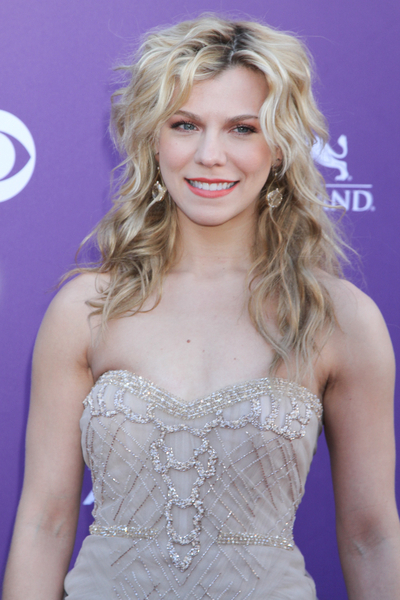 Kimberly Perry Gallery Pictures Photos Pics Hot