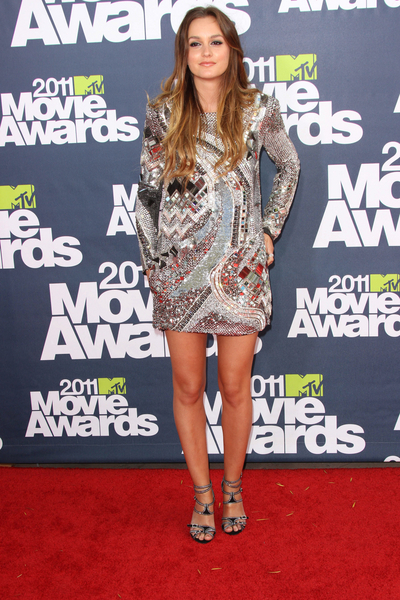 Leighton Meester Hot Style Pictures: MTV Movie Awards Red Carpet 2011 Photos, Pics