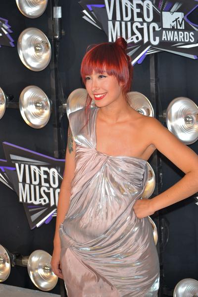 Liz Lee Pictures: MTV Video Music Awards (VMAs) 2011 Red Carpet Photos, Pics