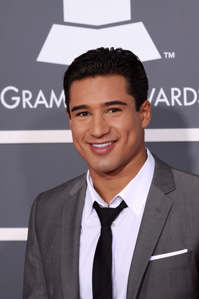 Mario Lopez Grammys 2011 Pictures: 53rd Grammy Awards Red Carpet Photos, Pics