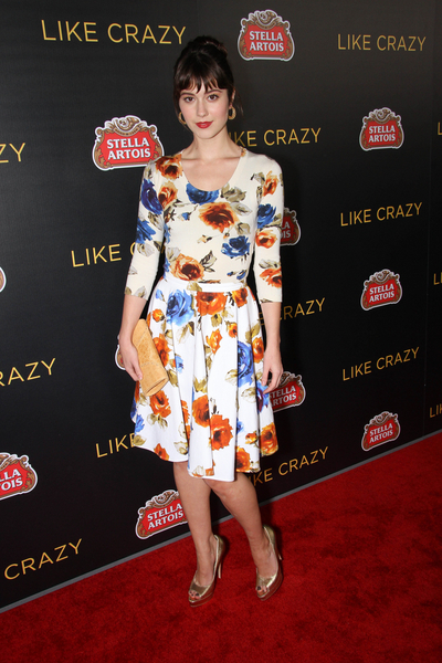 Mary Elizabeth Winstead Pictures: Like Crazy Movie Premiere Photos, Pics
