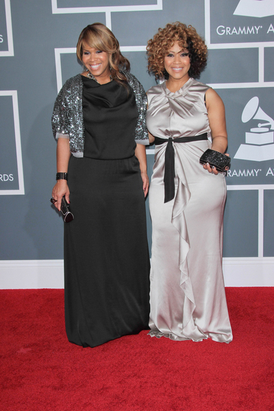 Mary Mary Pictures: Grammy Awards (Grammys) 2012 Red Carpet Photos, Pics