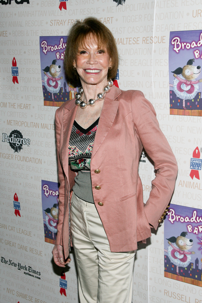 Mary Tyler Moore Pictures: Broadway Barks 2010 Photos and Pics