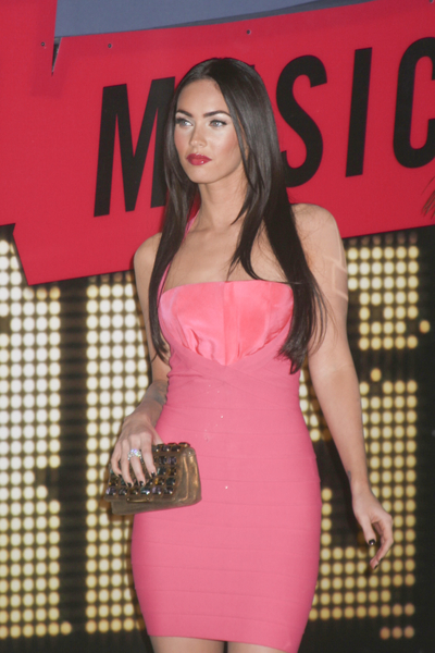 Megan Fox 2007 MTV Video Music Award Red Carpet Photos &amp; Pics