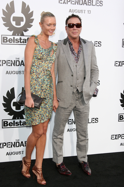 Mickey Rourke And Girlfriend Anastassija Makarenko Pictures The Expendables Movie Premiere Red Carpet Photos And Pics American Superstar Magazine Anastassija makarenko 🇷🇺/🇩🇪 📍 #la #doggylover 🐶 #nature🏕 #willygirlla #lamodelsrunway. 2