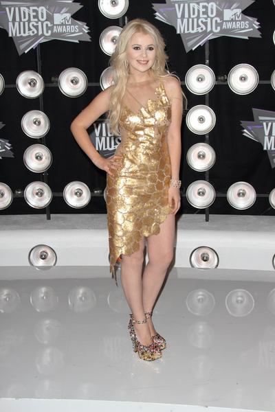 Mika Newton Pictures: MTV Video Music Awards (VMAs) 2011 Red Carpet Photos, Pics