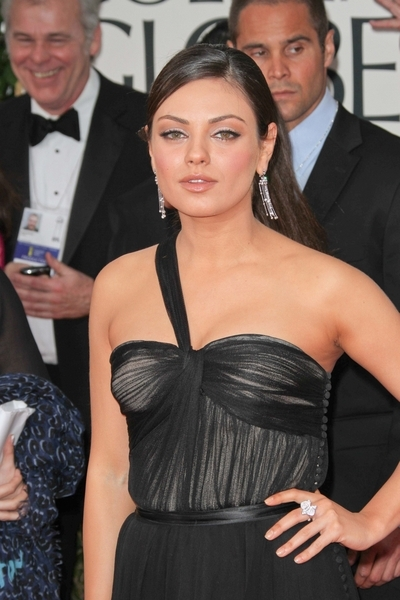 Mila Kunis Pictures: Golden Globes 2012 Awards Red Carpet Photos, Pics