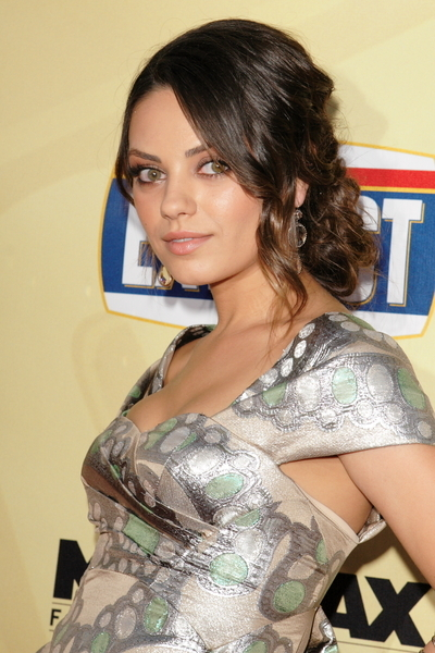 Mila Kunis Pictures: Extract Movie Premiere Red Carpet Photos