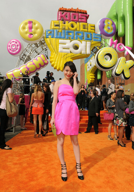 Miranda Cosgrove Pictures: Kids' Choice Awards Orange Carpet 2011 Photos, Pics