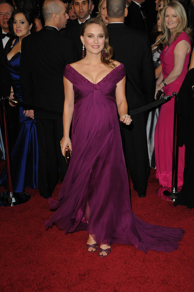 Natalie Portman Oscars 2011 Pictures: 83rd Academy Awards Red Carpet Photos, Pics