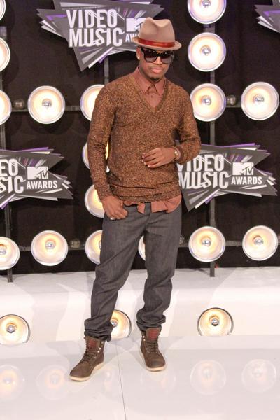 Ne-Yo Pictures: MTV Video Music Awards (VMAs) 2011 Red Carpet Photos, Pics