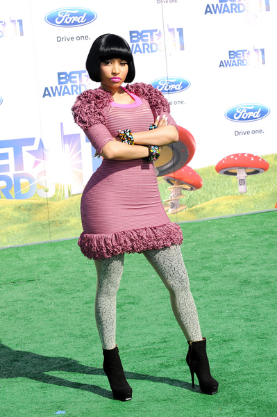 Nicki Minaj Hot Style Pictures: BET Awards 2011 Red Carpet Photos, Pics