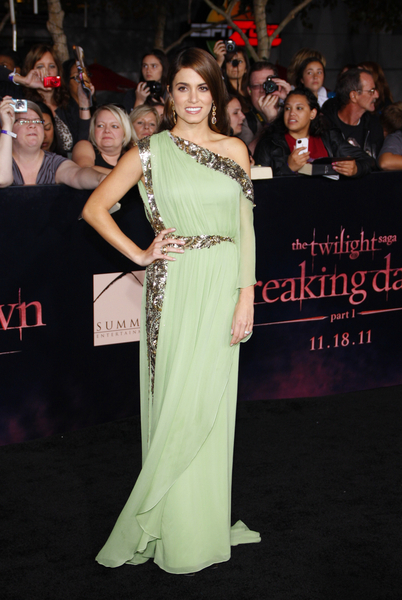 Nikki Reed Hot Style Pictures: The Twilight Saga: Breaking Dawn - Part 1 Premiere Photos, Pics