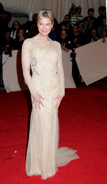 Renee Zellweger Fashion Pictures: Alexander McQueen: Savage Beauty Photos, Pics
