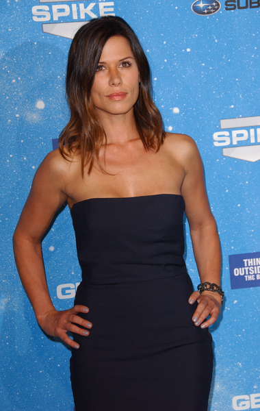 Rhona Mitra Pictures: Spike TV Scream Awards 2009 Red Carpet Photos