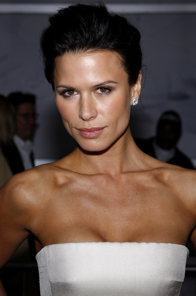 rhona mitra hot photos