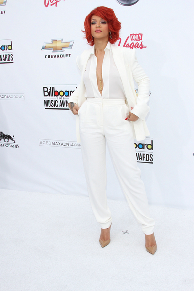 Rihanna Hot Style Pictures: Billboard Music Awards 2011 Photos, Pics