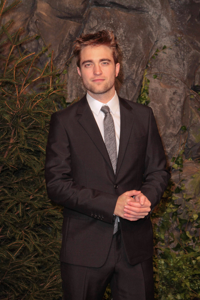 Robert Pattinson Pictures: The Twilight Saga: Breaking Dawn - Part 1 Berlin Premiere Photos, Pics