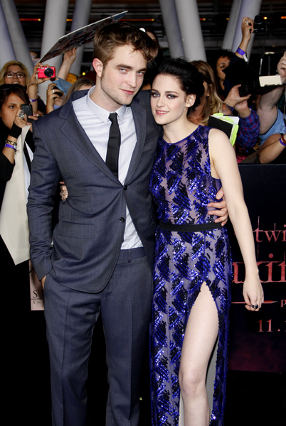 Robert Pattinson and Kristen Stewart Pictures: The Twilight Saga: Breaking Dawn - Part 1 Premiere Photos, Pics