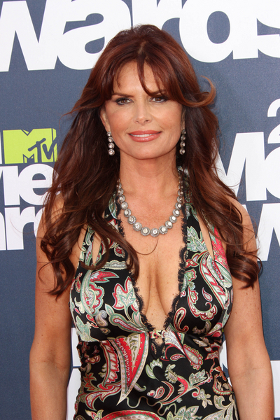 Roma Downey Pictures: MTV Movie Awards Red Carpet 2011 Photos, Pics