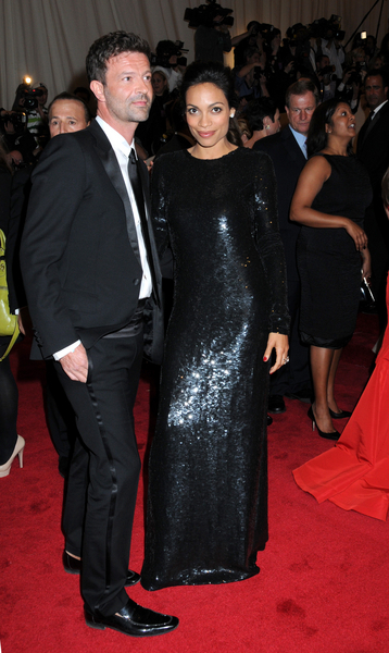 Rosario Dawson Pictures: Alexander McQueen: Savage Beauty Photos, Pics