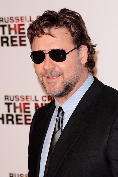 Russell Crowe Pictures: The Next Three Days Movie Premiere Photos and Pics