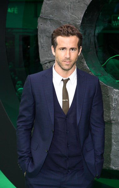 Ryan Reynolds Pictures: Green Lantern Berlin Movie Premiere Photos, Pics