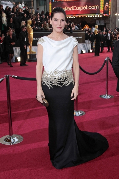 Sandra Bullock Pictures: Academy Awards (Oscars) 2012 Red Carpet Photos, Pics