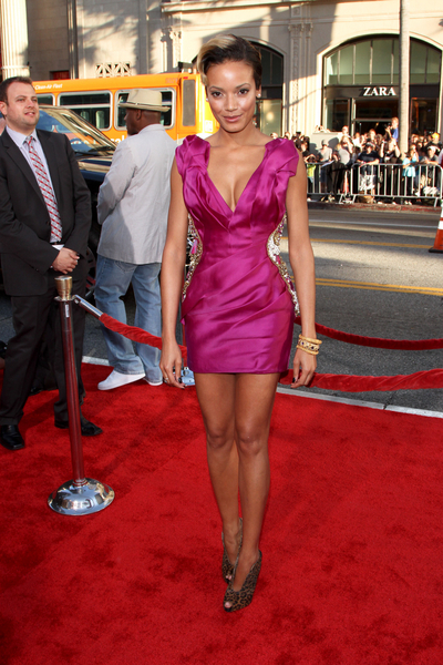 Selita Ebanks Hot Style Pictures: Larry Crowne Movie Premiere Photos, Pics