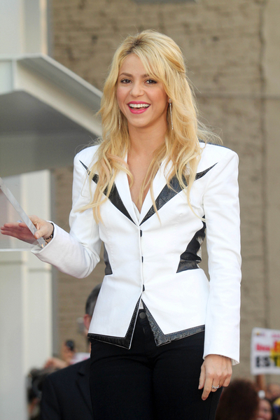 Shakira Pictures: Hollywood Walk of Fame Star Ceremony Photos, Pics