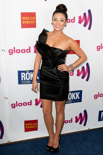 Shay Mitchell Hot Style Pictures: GLAAD Media Awards Los Angeles 2011 Photos, Pics