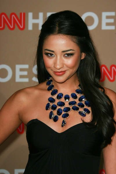 Shay Mitchell Pictures: CNN Heroes: An All Star Tribute 2010 Photos and Pics