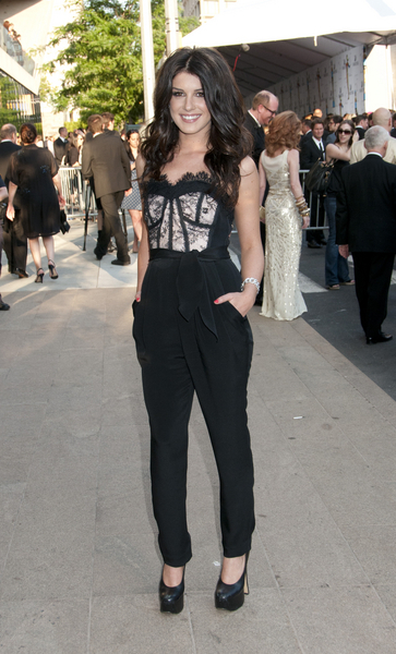 Shenae Grimes Hot Style Pictures: CFDA Fashion Awards 2011 Photos, Pics
