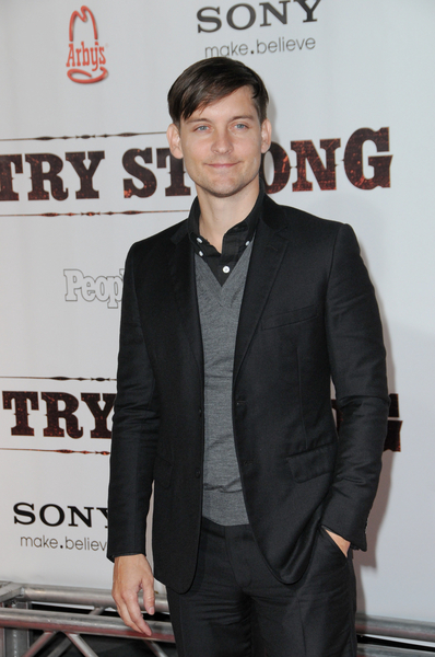 Tobey Maguire Pictures: Country Strong Movie Premiere Photos and Pics
