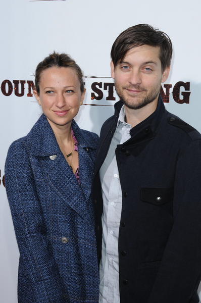 Jennifer Meyer and Tobey Maguire Pictures: Country Strong Movie Premiere Photos and Pics