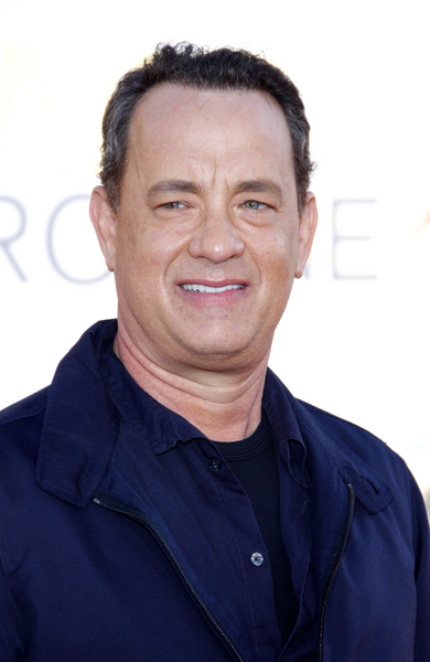 Tom Hanks Pictures: Larry Crowne Movie Premiere Photos, Pics