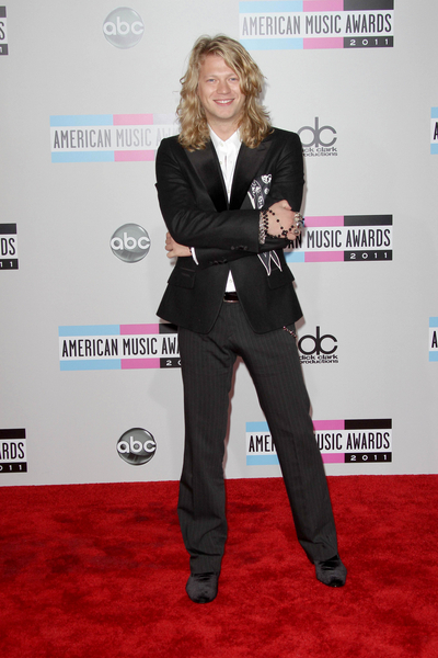 Troy Harley Pictures: American Music Awards 2011 Red Carpet Photos, Pics