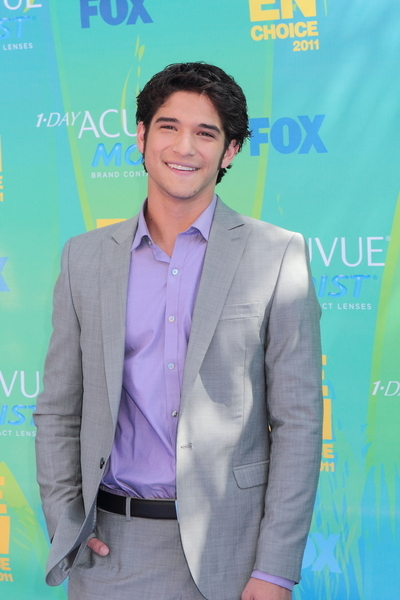 Tyler Posey Pictures: Teen Choice Awards 2011 Blue Carpet Photos, Pics