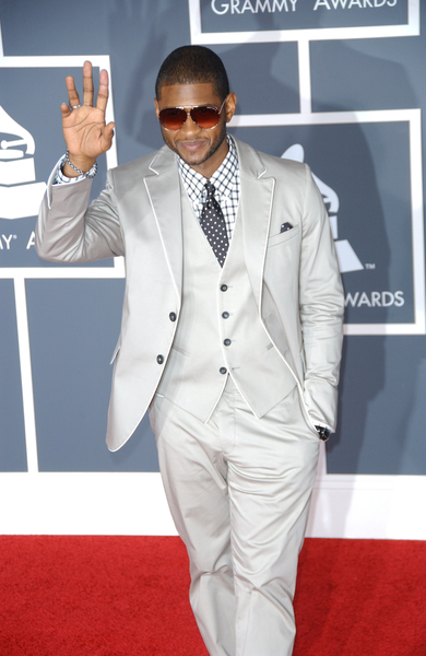 http://www.americansuperstarmag.com/sites/default/files/images/usher-013110.jpg