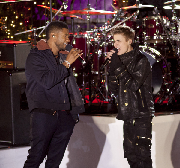 Usher and Justin Bieber Pictures: Rockefeller Center Christmas Tree Lighting Special 2011 Photos, Pics