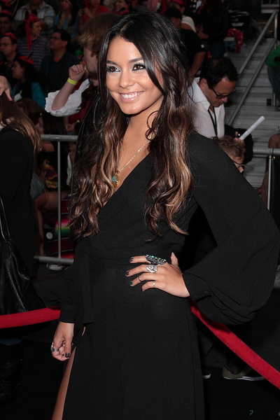 Vanessa Hudgens Hair Pictures: Pirates of the Caribbean: On Stranger Tides Premiere Photos, Pics
