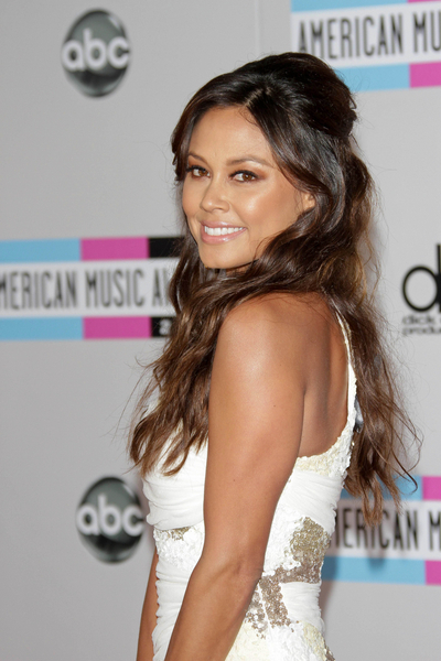 Vanessa Minnillo Lachey Hair Pictures: American Music Awards 2011 Red Carpet Photos, Pics