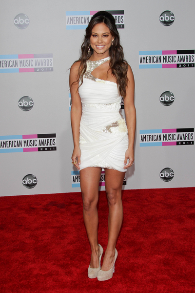 Vanessa Minnillo Lachey Hot Style Pictures: American Music Awards 2011 Red Carpet Photos, Pics