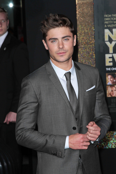 Zac Efron Pictures: New Year's Eve Movie Premiere Photos, Pics