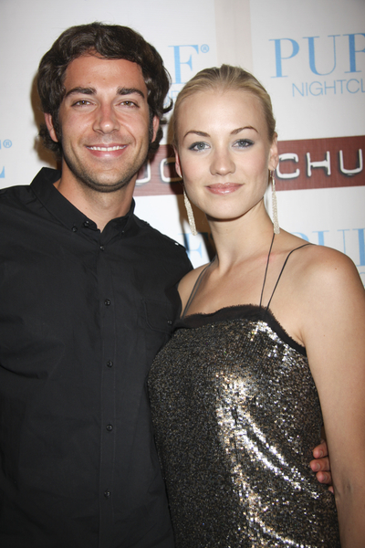 Zachary Levi and Yvonne Strahovski Pictures
